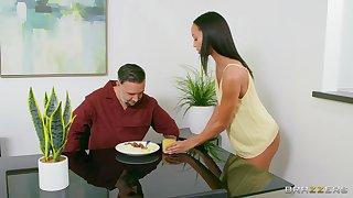 Unused girl goes full mode on her stepdad's energized penis
